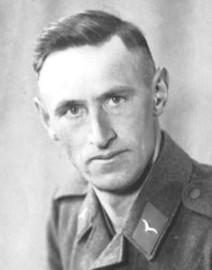 6638 kleiner Porträt xx Meyer, Heinrich (ca. 1942, während der Flak-Zeit)