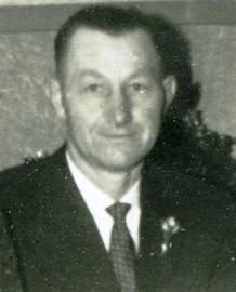 8273 Pape, Adolf Aufmacher