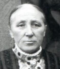 6732 MU Schwarting, Gesine Margarethe (u.l.) mit J.Ch. Osterloh geb. Heinemann, J.D. Osterloh, E.H. Schwarting und G. Ch. Osterloh (Uhr)
